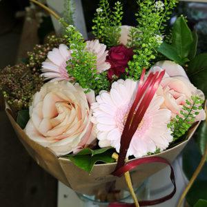 rosa blommor i stockholm