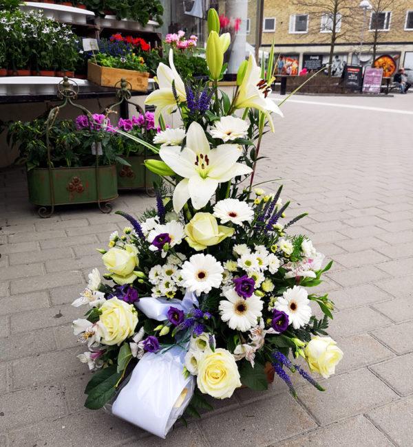Dekoration till begravning Crossandras Spånga