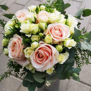 Bukett rosor till mamma