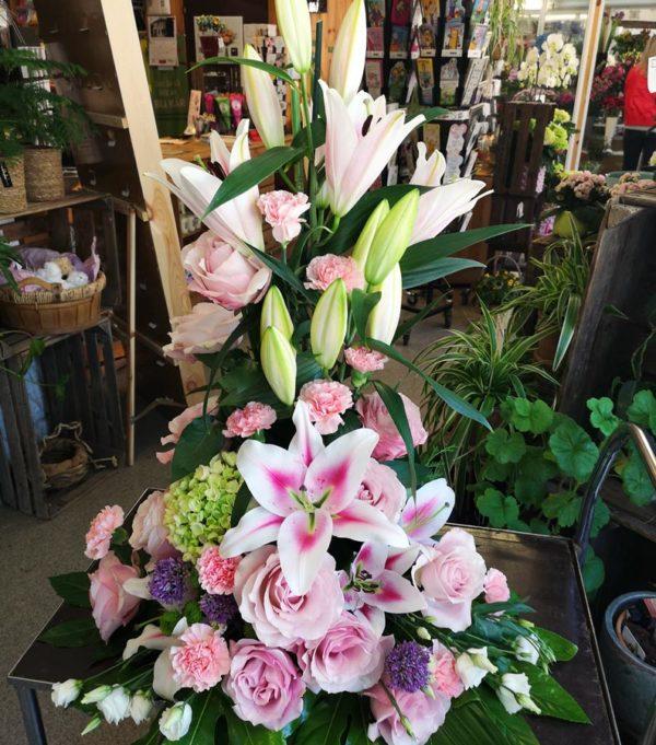 Blommdekor Dekoration till fest eller begravning