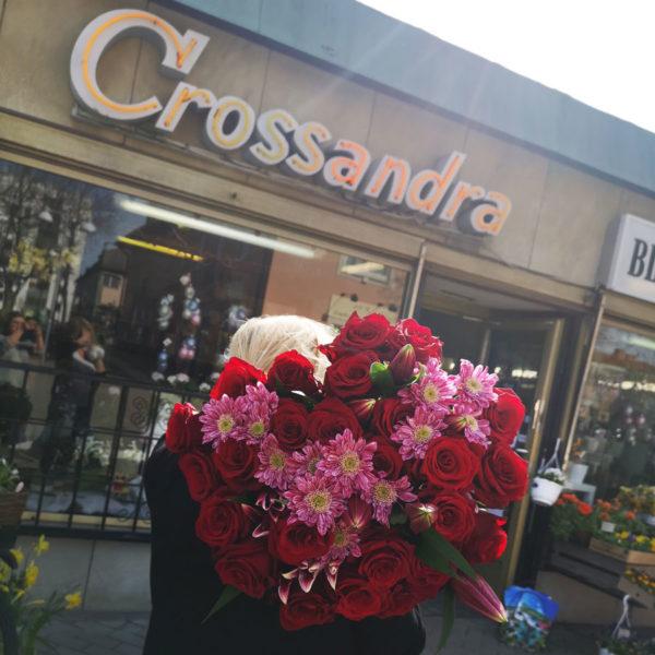 stor bukett rosor i Edsviken Hjulstad Kista Sollentuna