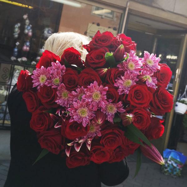 stor Bukett rosor i Solna Spånga Stockholm & Bromma